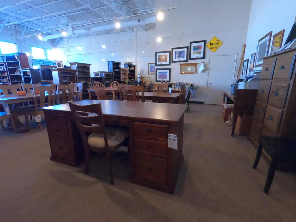 3 Pieces Of Office Furniture That You Should Have Custom-Made